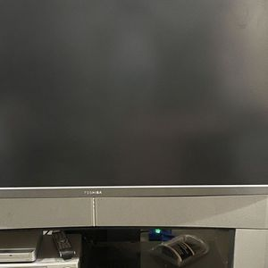 60 Inch Toshiba TV for Sale in Kent, WA