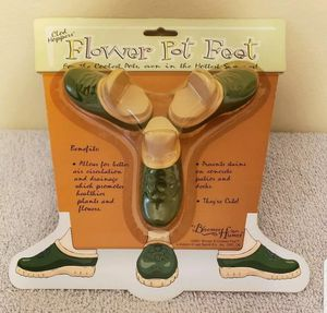 Clod Hoppers™ Set of Three Flower Pot Feet, Green Clogs, New In Package for Sale in Darien, IL