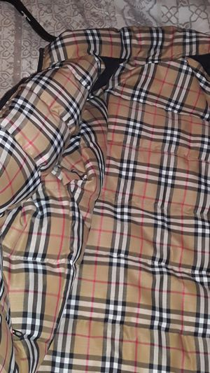 Burberry xl revervible mens. Black and pattern never worn for Sale in South San Francisco, CA