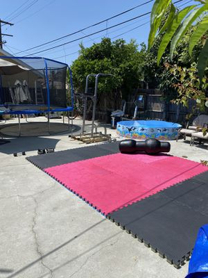 Red puzzle mats for Sale in Los Angeles, CA
