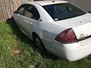 2009 Chevy impala for Sale in Brandon, FL