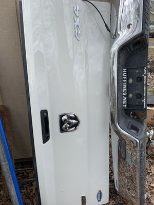 2016 dodge Ram tailgate and bumper for Sale in Humble, TX