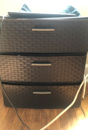 Plastic drawer organizer for Sale in Belleville, NJ