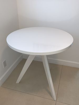 West Elm Tripod Dining Table - White for Sale in Pompano Beach, FL