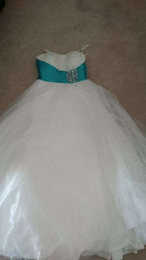 Quinceanera dress for Sale in Oak Hills, CA