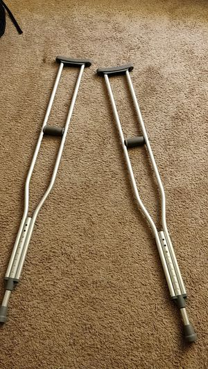 Crutches great condition FREE for Sale in Westerville, OH