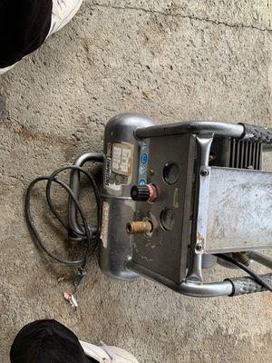 Grip rite compressor gr 152 cm for Sale in San Jose, CA