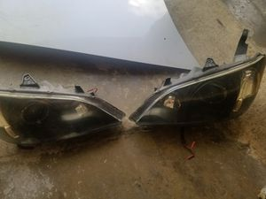 Honda Accord 2005 Headlights for Sale in CARPENTERSVLE, IL