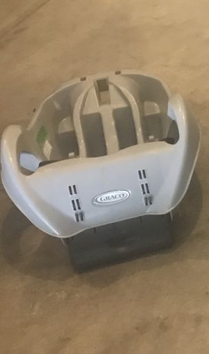 Graco infant car seat base for Sale in Plain City, OH