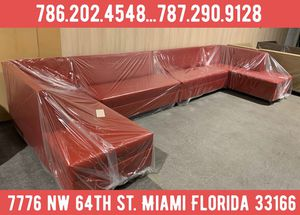 Extra large sectional couch for sale for Sale in Miami, FL