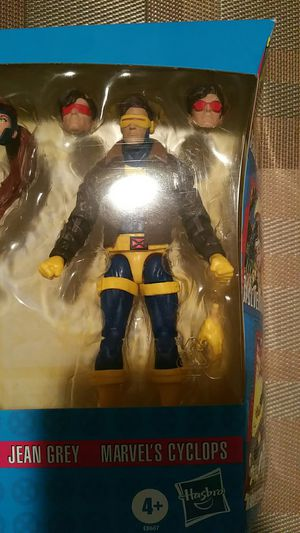 Marvel legends cyclops from 3 pack love triangle for Sale in Niles, IL