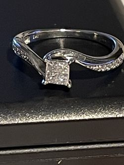 10k White Gold . 50tcw Natural Diamond Ladies Wedding Band Ring for Sale in Costa Mesa,  CA
