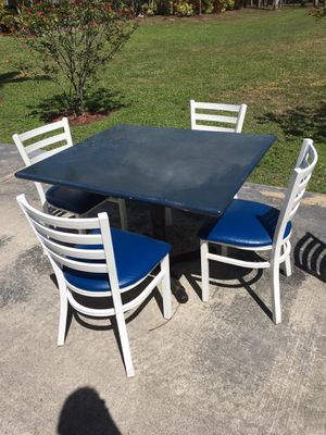 Low top table, includes 4 metal chairs for Sale in Naples, FL