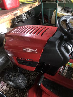 Craftsman tractor 2017 15 hours for Sale in Miami, FL