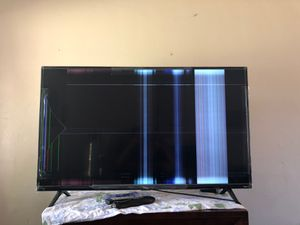 TCL ROKU SMART TV for Sale in Bakersfield, CA