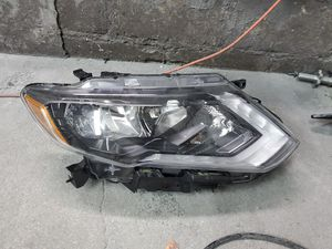 Nissan rogue original headlight for Sale in Queens, NY