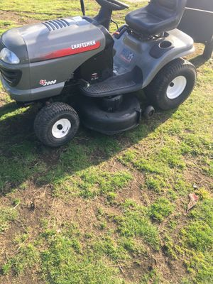 Riding craftsman lawn LT 2000 mower 18 HP Briggs-Stratton engine for Sale in Tacoma, WA
