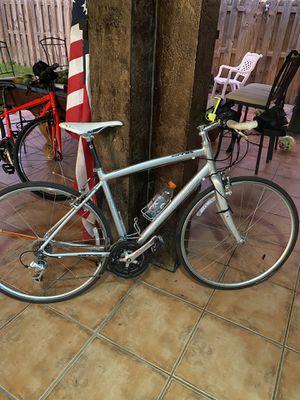Sirrus specialized road bike for Sale in Miami, FL