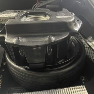 Bose Factory Sub For Cayenne S 08-10 for Sale in Kirkland, WA