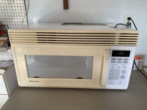 Microwave oven for Sale in Winter Haven, FL