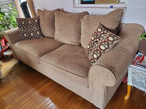Brown couch for Sale in Elmont, NY