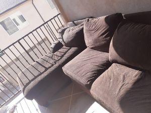 Sofa en buen estado a 30 for Sale in South Gate, CA