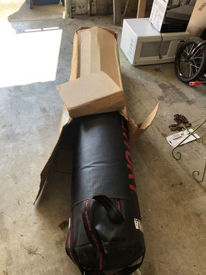 BOXING HEAVY BAG 80lbs BRAND NEW for Sale in Watauga, TX