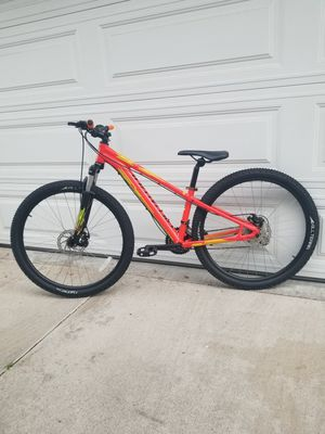 specialized pitch mountain bike size small wheels 27.5 speed 24 for Sale in Pasadena, CA