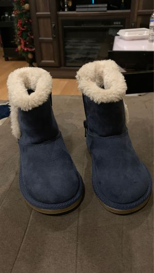 Winter boots toddler girl for Sale in Lawrence, MA