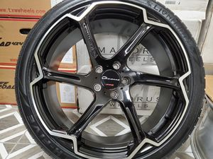 """20"""" Giovanna Rims and Lionhart Tires for Sale in Orange, CA"""