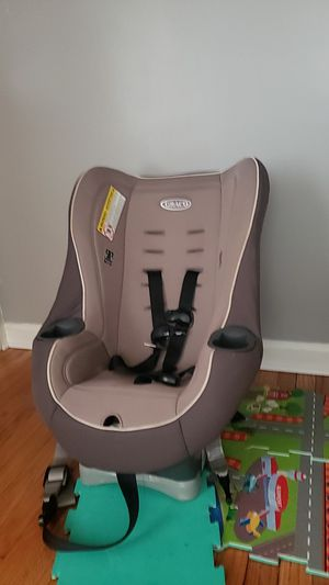 Car seat for the baby for Sale in Syracuse, NY