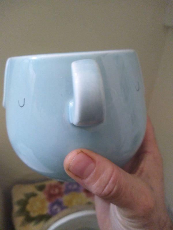 Elephant trunk handle mug