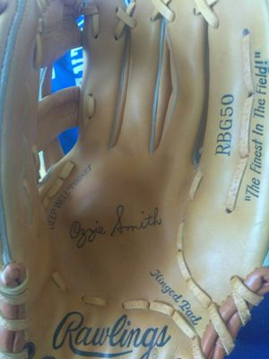 Rare Vintage Rawlings Baseball glove sign Ozzie Smith for Sale in Largo, FL