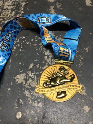 official disney half marathon 2014 medal and lanyard for Sale in Orlando, FL