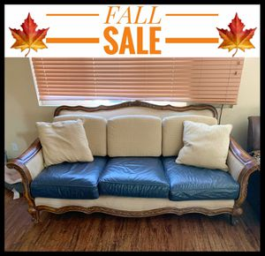 Dual Color 3 Person Couch for Sale in San Jacinto, CA