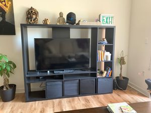 TV wall unit for Sale in Irvine, CA
