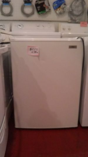 Summit refrigerator excellent condition for Sale in Halethorpe, MD