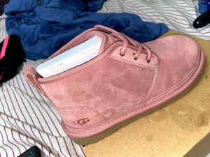 Ugg Shoes / Pink size 7 in Women for Sale in San Leandro, CA