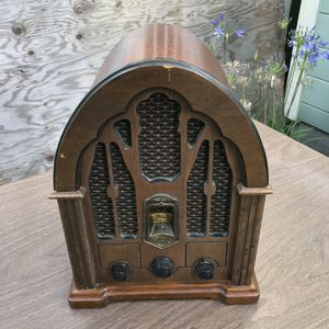 FREE vintage radio for Sale in Alameda, CA