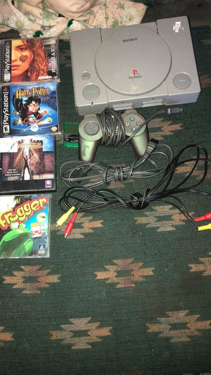 PS1 bundle w/ games, cords, memory card, and controller for Sale in New Prague, MN