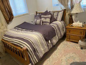 Queen bedroom for Sale in Dearborn Heights, MI