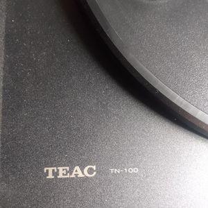 TEAC TN-100 TURN TABLE RECORD PLAYER BUNDLE for Sale in Huntington Beach, CA