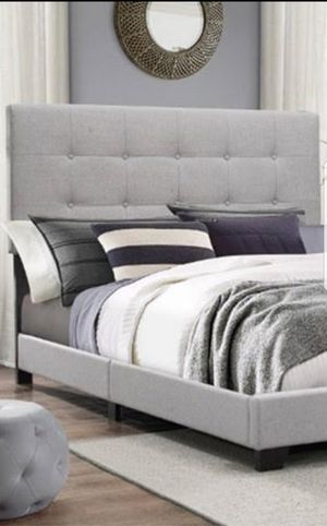 KING BED FRAME NO MATTRESS for Sale in Scottsdale, AZ