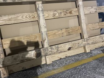 Free Pallet 10.5' X 4.5' for Sale in Spring,  TX