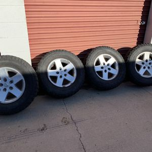 """Jeep 17"""" Wheels With BFG MUD TERRAIN LT 255 75 17 Tires for Sale in Aurora, CO"""