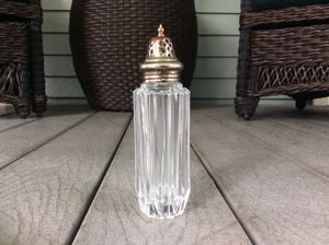 Antique Fancy Sugar Shaker Glass w/ Silver Top Large for Sale in Tacoma, WA
