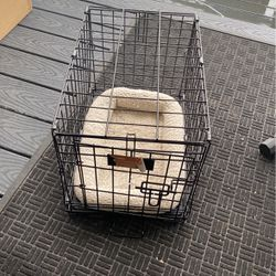 Like New 24 Inch Dog Pet Crate With Bed for Sale in Puyallup,  WA