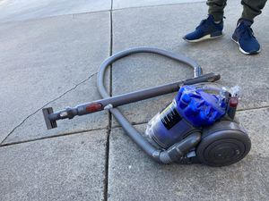 Dyson canister vacuum for Sale in Arroyo Grande, CA