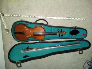 Violin, 1/4 Size, with new bow, chin rest and hard case for Sale in Parkville, MD