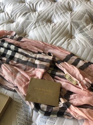 Burberry Scarf(MB Jerseywear) for Sale in Orlando, FL